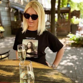 W 🖤 E K E N D   #YuliyaKozda #ЮлияКозда #weekend #sunday #sundays #womanportrait #womanpower #beauty #love #cava #bubbles #terrace #monalisa #ootd #summervibes #summer #summertime #терраса #уикенд #вдохновение #пузырьки