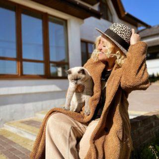 Такі сонячні вихідні! 🌞 Кращі та найтепліші моменти — випадкові 🧡  #lifespirationstartshere @answear_ua   #YuliyaKozda #ЮліяКозда #weekend #sun #sunnyday #sunlight #october #autumn #sweetautumn #octoberdays #sunday #sundays #autumnlook #look #ootd #cat #kittycat #style #countryside #inspiration #осінь #жовтень #вихідні